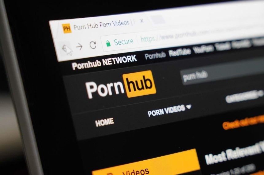 Mastercard и Visa прекратили сотрудничать с PornHub из-за порнографии с несовершеннолетними