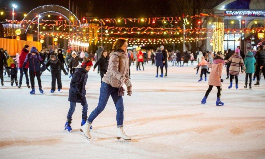 Большой каток, ярмарка и Резиденция Санты: на ВДНГ снова откроется «Зимова країна»