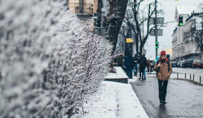 Зима порасписанию: на улицы Киева вывели снегоуборочную технику
