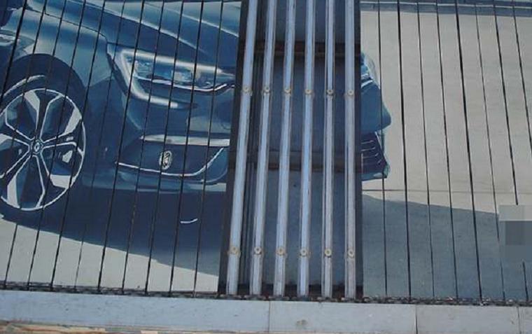 Мешканець столиці обкрадав рекламні щити