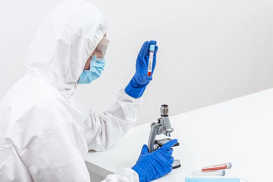 ВУкраине зафиксировано 11913 случаев заболевания коронавирусом,— МОЗ