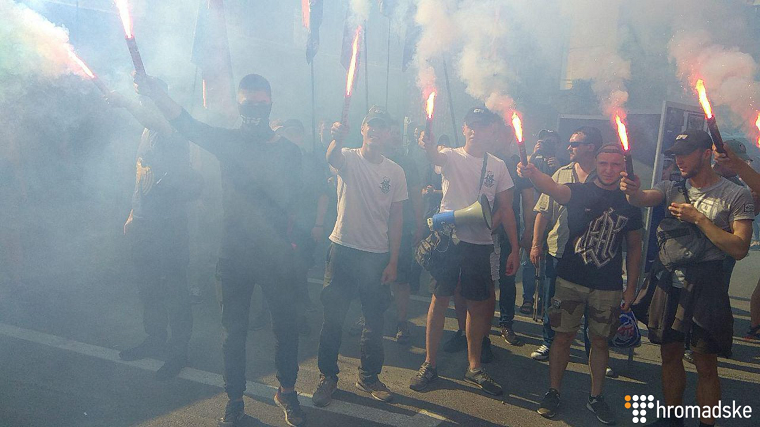 Радикали блокують штаб Патрульної поліції (фото)