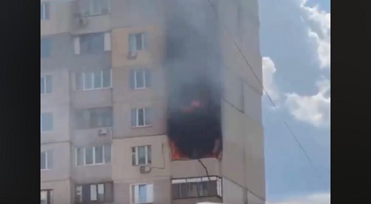 Рядом со взорвавшимся домом на Позняках произошел пожар