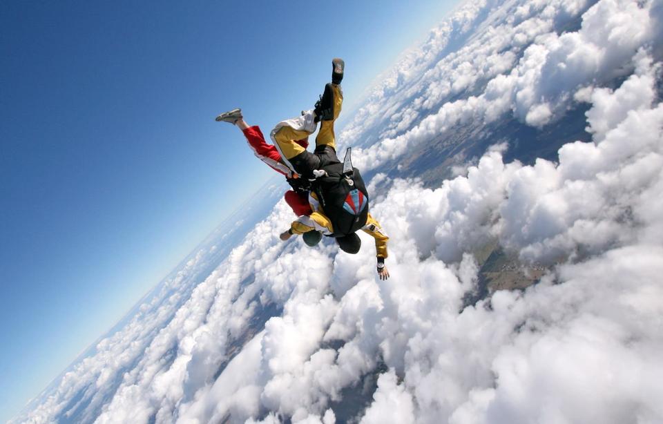 До дня парашутиста: як і де стрибнути без страху