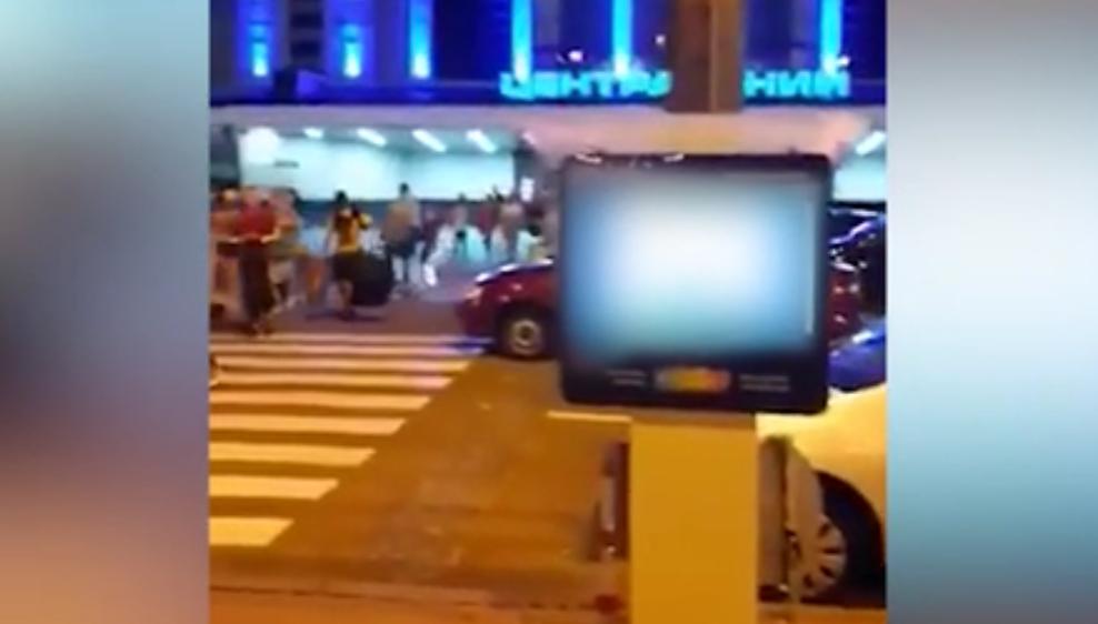 На информационном табло возле Центрального вокзала Киева транслировали порно