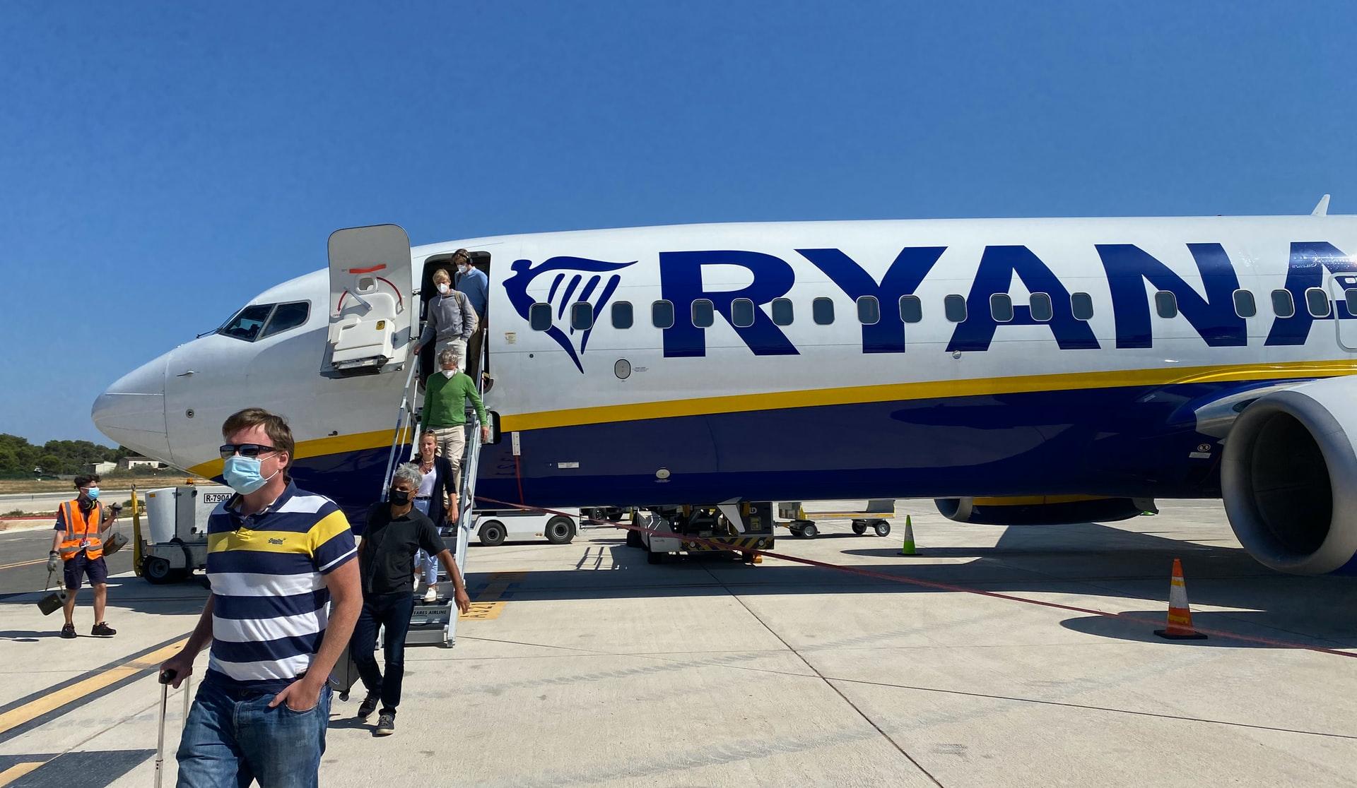 Ryanair объявил летнюю распродажу: билеты от 8 евро