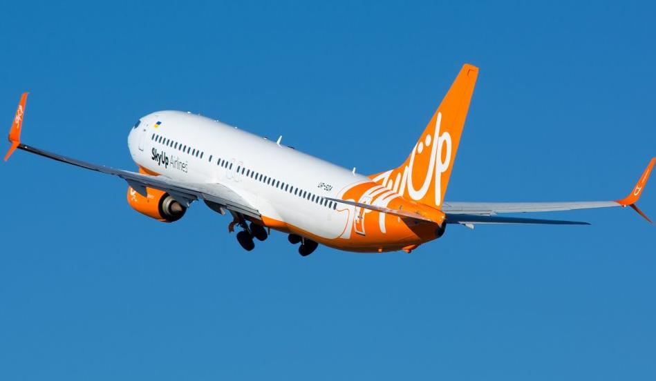 SkyUp будет летать в Париж и Ниццу