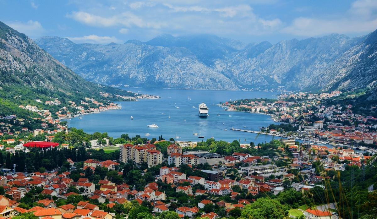 ВЧерногории разрешили посещать заведения только сCOVID-сертификатом