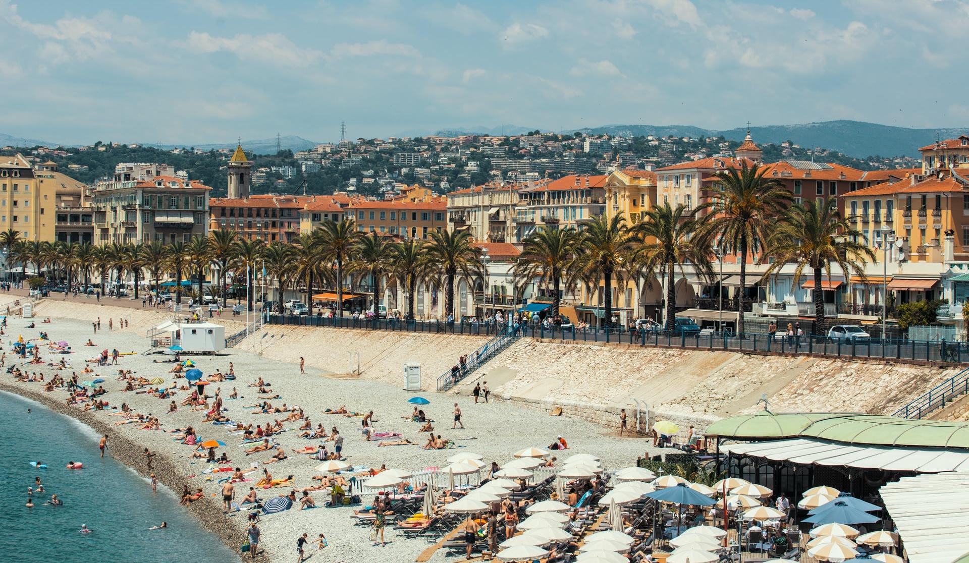 МАУ запускает сезонные рейсы во французскую Ниццу: цены