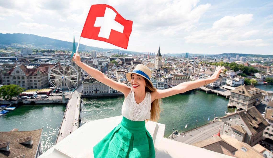Швейцария возобновила свободный въезд для туристов изУкраины