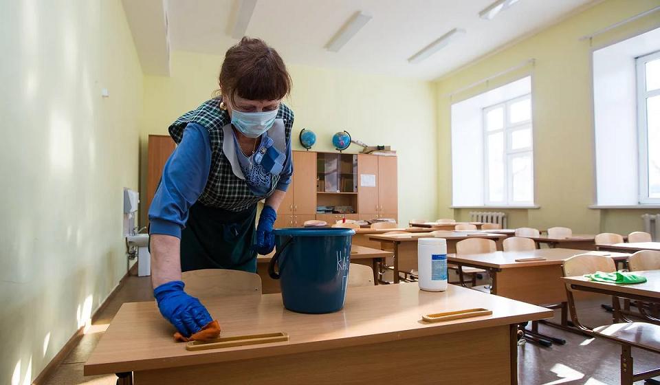Четыре столичных детсада и две школы закрыли на карантин из-за коронавируса
