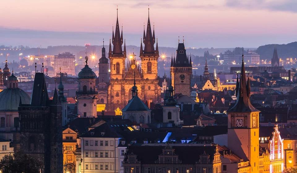 SkyUp открывает рейсы в Прагу