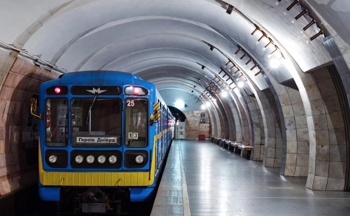 На выходных работу метро продлят на час