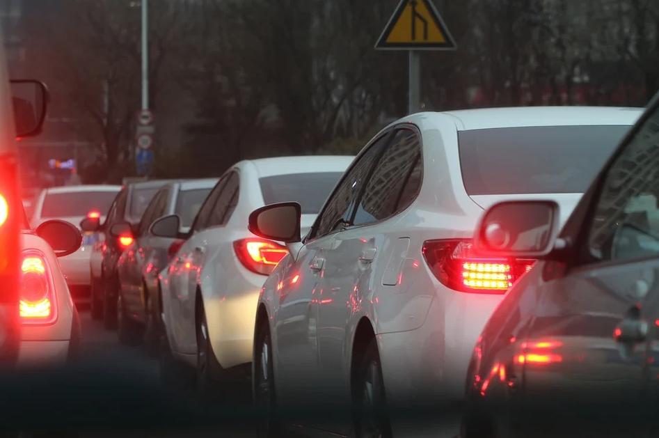 В Киеве образовались огромные пробки: причина, карта